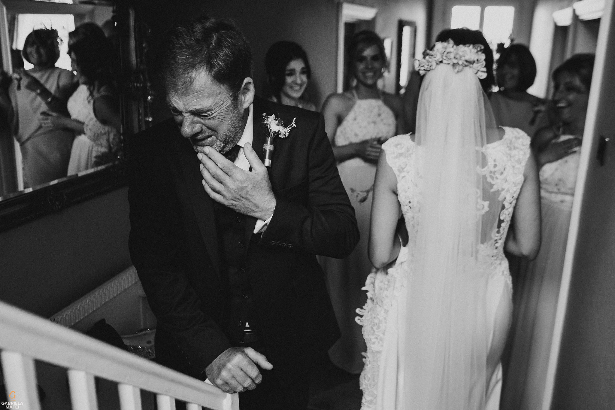 Candid wedding photography, natural wedding photographer